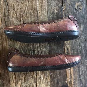 Born metallic Oxblood Cushioned Leather Flats 7.5
